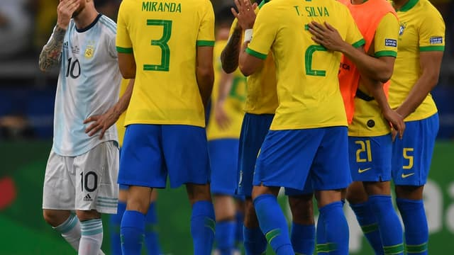 La joie des Brésiliens devant Messi