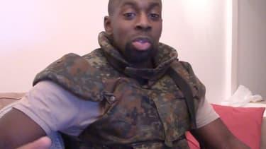 Amedy Coulibaly, dans la vidéo non authentifiée postée sur le réseau Daily Motion puis retirée.