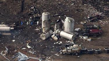 Les équipes de secours étaient toujours à la recherche de survivants jeudi dans les décombres des maisons soufflées la veille par une violente explosion à l'usine d'engrais de West, au Texas, qui a fait au moins 14 morts selon le maire de cette localité d