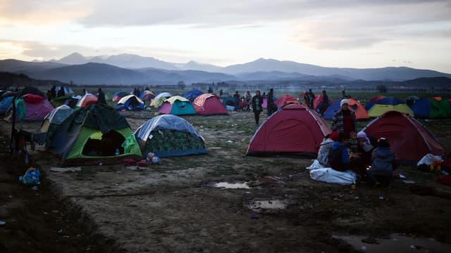 Un camp de migrants près de la frontière entre la Grèce et la Macédoine