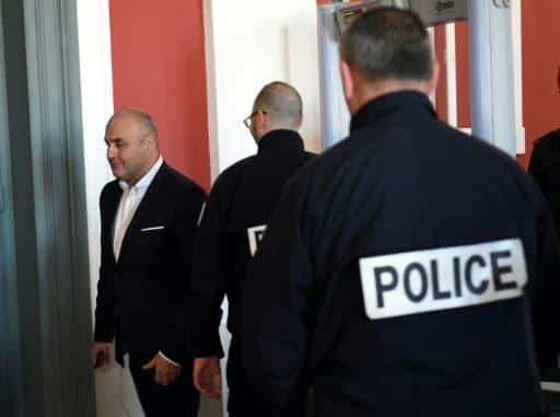 Serge Ayoub, fondateur du White Wolves Klan, arrive au tribunal d'Amiens, le 27 mars 2017