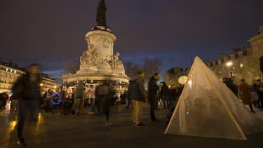 """Le mouvement """"Nuit Debout"""" a élu domicile place de la République à Paris."""