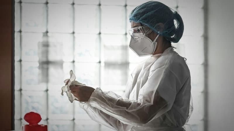 Covid-19: Comment se vendent les livres de médecins sur la pandémie?