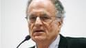 """Le prix Nobel d'économie a été attribué lundi aux Américains Thomas Sargent (photo) et Christopher Sims pour """"leurs recherches empiriques sur les causes et les effets en macro-économie"""". /Photo d'archives/REUTERS/Tami Chappell"""