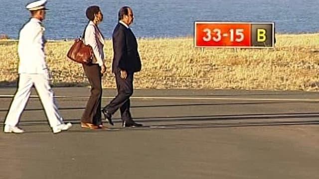 Le président français François Hollande à son arrivée sur l'île de La Réunion, ce jeudi 21 août.