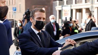 """Emmanuel Macron préfère le terme """"séparatisme"""" à celui de """"communautarisme"""""""