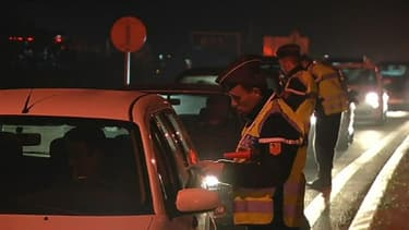 Près de 55.000 policiers et gendarmes ont été mobilisés pour la Saint-Sylvestre. Le 31 décembre 2012.