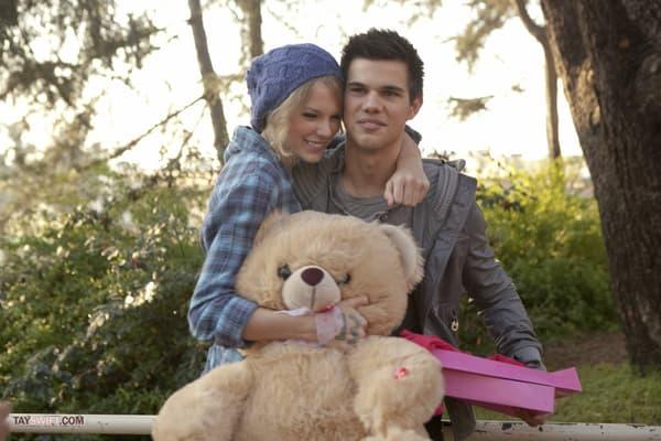 "Taylor Swift et Taylor Lautner dans le film ""Valentine's Day"""
