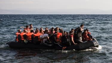 Image d'illustration, des migrants dans un zodiac pris le 23 août 2015