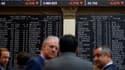 Les deux plus grosses banques catalanes, CaixaBank et Banco Sabadell, perdent respectivement 3% et 5%.