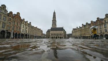 Place des Héros à Arras, dans le Pas-de-Calais, le 4 mars 2021, avant un premier week-end de confinement dans le département