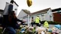 Des Britanniques se recueillent à proximité de l'église où a été assassiné le député David Amess, vendredi 15 octobre 2021