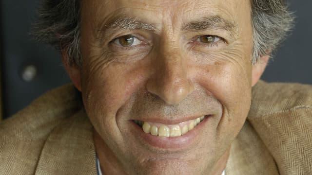 Portrait de l'économiste Bernard Maris