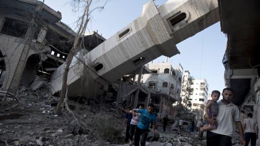 Un minaret détruit dans la ville de Gaza, le 30 juillet 2014.