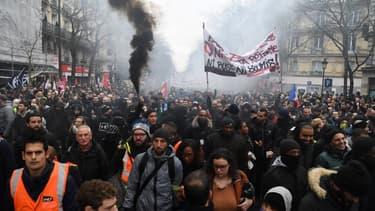Les manifestants dans les rues de la capitale ce jeudi 9 janvier 2020 pour protester contre la réforme des retraites.