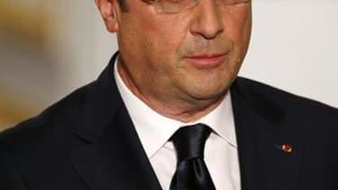 François Hollande a totalement brouillé sa revendication d'un gouvernement économique de la zone euro en déniant à la Commission européenne le droit de faire des recommandations précises sur les réformes à mettre en oeuvre en France. /Photo prise le 30 ma