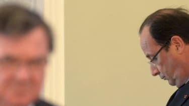 Le chef de l'Etat absorbé par son téléphone portable le jour du G20. (Photo d'illustration)