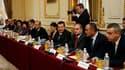 Responsables roumains en visite mercredi à Paris pour une rencontre ministérielle franco-roumaine à propos de la communauté rom. Le gouvernement français s'est employé mercredi à désamorcer les critiques suscitées en France et dans le monde par le durciss