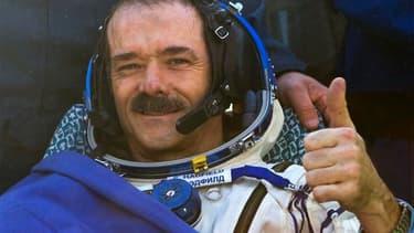 Chris Hadfield, le premier commandant canadien de la Station spatiale internationale (ISS), est revenu mardi sur Terre avec ses deux compagnons d'équipage, l'Américain Tom Marshburn et le Russe Roman Romanenko, après une mission de cinq mois dans l'espace