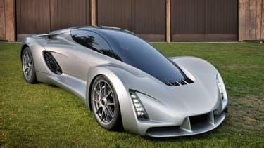 En aluminium et fibre de carbone, la voiture affiche un poids de seulement 635 kg