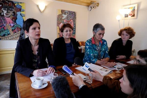 Sandrine Rousseau et les trois autres femmes qui ont accusé Denis Baupin de harcèlement et agressions sexuelles, lors d'une conférence de presse en mars 2017.