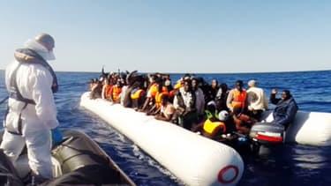 Plus de 3.400 migrants ont été sauvés en Méditerranée samedi.