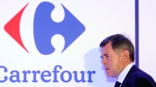 Georges Plassat, patron de Carrefour, avait annoncé en juin son intention de supprimer entre 500 et 600 postes administratifs dans le groupe