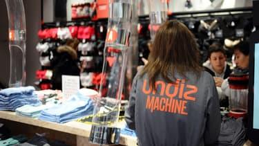 Vente-privee gère les soldes Internet de la marque Undiz, de la mise en avant visuelle des produits, en passant par le paiement et jusqu'à la livraison.