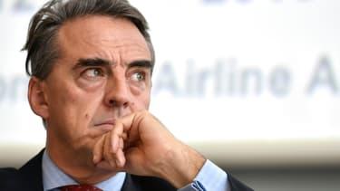Le directeur général de l'IATA  Alexandre de Juniac souligne l'immense travail qui serait nécessaire pour maintenir des liaisons aériennes vitales.