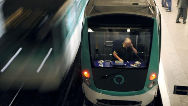 Le métro parisien défend un principe de neutralité sur son espace publicitaire.