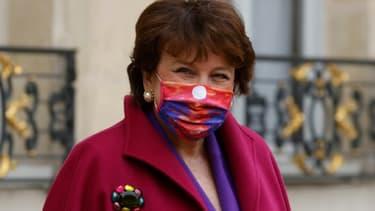 La ministre de la Culture Roselyne Bachelot, à la sortie de l'Elysée après le Conseil des ministres le 3 février à Paris