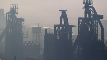 Dans un entretien au Journal du dimanche, Lakshmi Mittal, PDG d'ArcelorMittal, déclare regretter la fermeture des hauts-fourneaux de Florange (Moselle) tout en estimant que le coût de l'énergie et du travail en France limite la compétitivité du secteur de