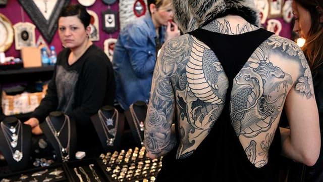 Un magnifique dragon aperçu lors de l'édition 2014 du Mondial du tatouage.