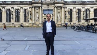 Le nouveau maire écologiste de Bordeaux appelle à un moratoire sur la 5G.
