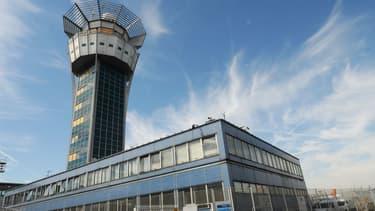 La tour de contrôle de l'aéroport d'Orly