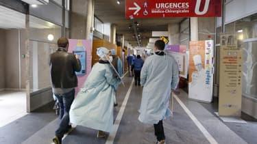 L'hôpital St-Antoine à Paris en grève en 2014.