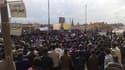 Manifestations de Kurdes de Syrie à Kamishli, dans l'est du pays. Outre les rassemblements de milliers de personnes de la minorité kurde dans l'Est de la Syrie, des manifestations contre le régime du président Bachar al Assad ont éclaté vendredi à travers