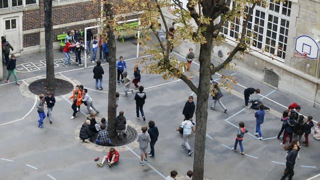La Ville de Paris a mis en ligne une plateforme afin d'encourager des stages pour collégiens dans le secteur de l'économie sociale et solidaire - Mardi 2 février 2016