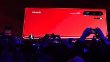 Huawei a vu ses ventes de smartphones en Europe reculer de 16% par rapport au deuxième trimestre 2018, avec 8,5 millions d'appareils vendus, ce qui ramène sa part de marché à 18,8%.