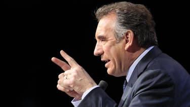 Le centriste François Bayrou a reconnu dimanche sa défaite aux élections législatives dans la circonscription des Pyrénées-Atlantiques dont il était député depuis 1986. /Photo prise le 18 avril 2012/REUTERS/Pascal Rossignol