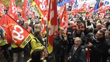 La CGT Air France manifestant contre le plan de restructuration de la compagnie, en octobre dernier.