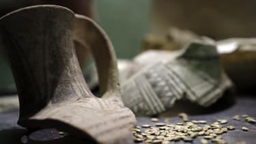 D'anciennes amphores égyptiennes (image d'illustration)
