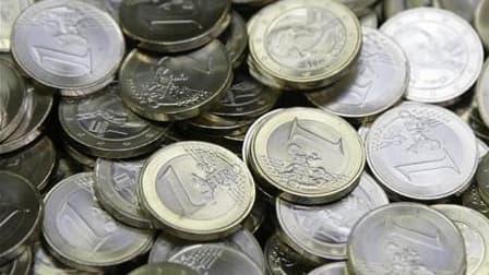 La fraude aux prestations sociales serait comprise entre 540 et 808 millions d'euros en 2009, sur environ 60 milliards de prestations versées, selon le ministère du Travail et le secrétariat d'Etat à la Solidarité. /Photo d'archives/REUTERS/Leonhard Foege