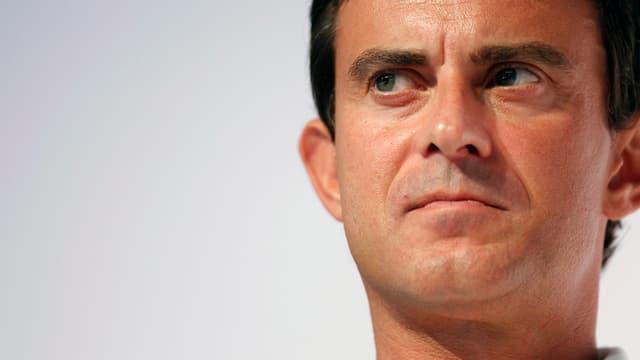 Manuel Valls est favorable a la dissolution des groupuscules d'extrême droite