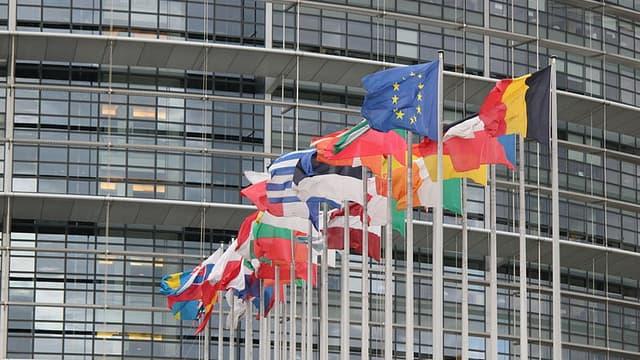 Le Parlement européen a entériné la nouvelle Commission européenne formée par le Luxembourgeois Jean-Claude Juncker.