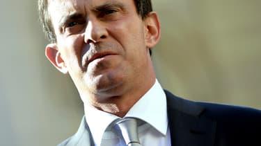"""""""Si on recule d'un pouce"""" face au terrorisme, prévient Manuel Valls, """"on lui donne cette victoire"""""""