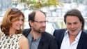 """Xavier Durringer (à droite), aux côtés de son """"couple présidentiel"""", Florence Pernel et Denis Podalydès, interprètes de Cécilia et Nicolas Sarkozy dans """"La Conquête"""", où la chronique de l'accession à l'Elysée du chef de l'Etat. Les producteurs et le réali"""