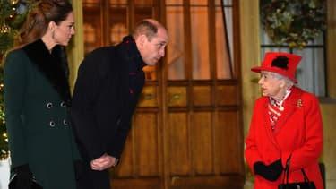 Kate, William et la reine Elizabeth II le 8 décembre.