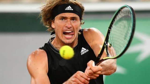 L'Allemand Alexander Zverev face au Serbe Laslo Djere au 3e tour de Roland-Garros, le 4 juin 2021