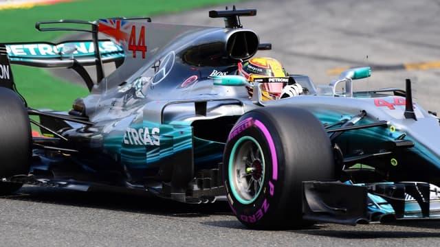 Lewis Hamilton est prêt à mettre la pression sur Sebastian Vettel.